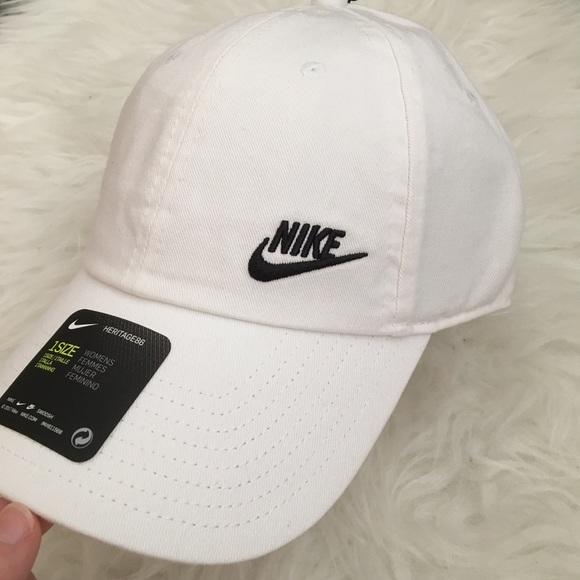 48b71c3f715 Nike Accessories